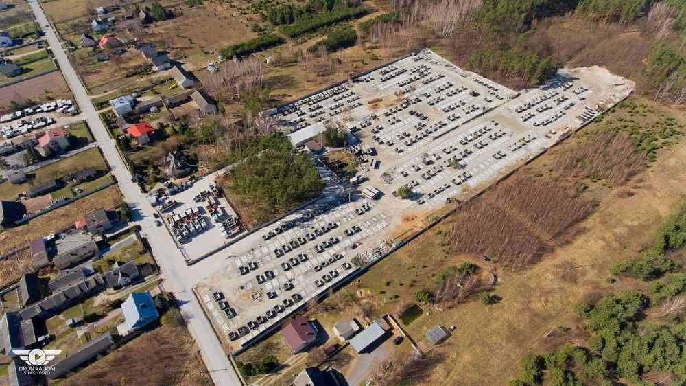 Letecký pohľad na výrobu betónových žúmp a septikov
